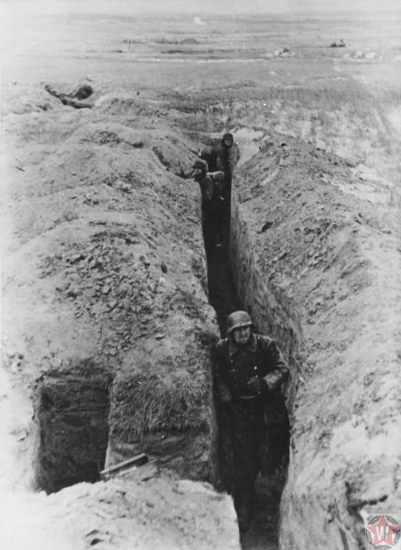 Немецкие солдаты в окопах в районе города Невеля
