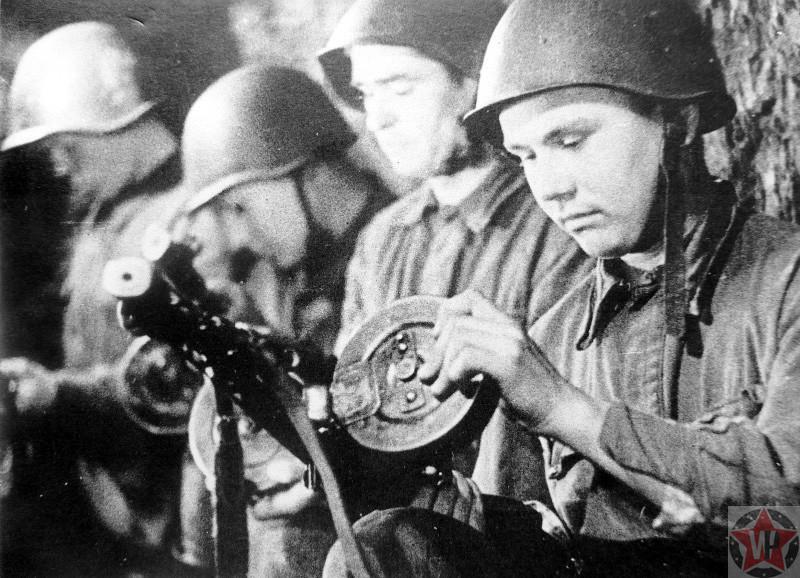 Автоматчики советской армии в Сталинграде