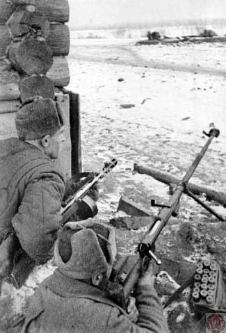 Бойцы Тульского рабочего батальона - истребители танков