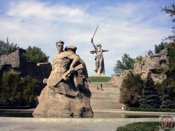 """Памятник """"Героям Сталинградской битвы"""""""