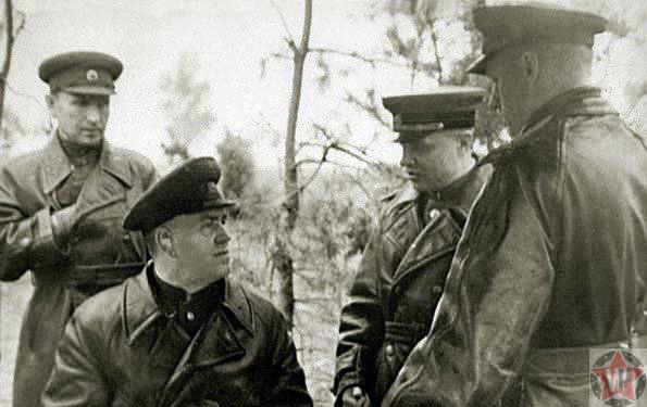 Подготовка Белорусской операции (слева направо) Варенников И. С., Жуков Г. К., Казаков В. И., Рокоссовский