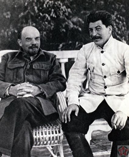 Владимир Ильич Ленин и Иосиф Виссарионович Сталин в Горках, 1922 год