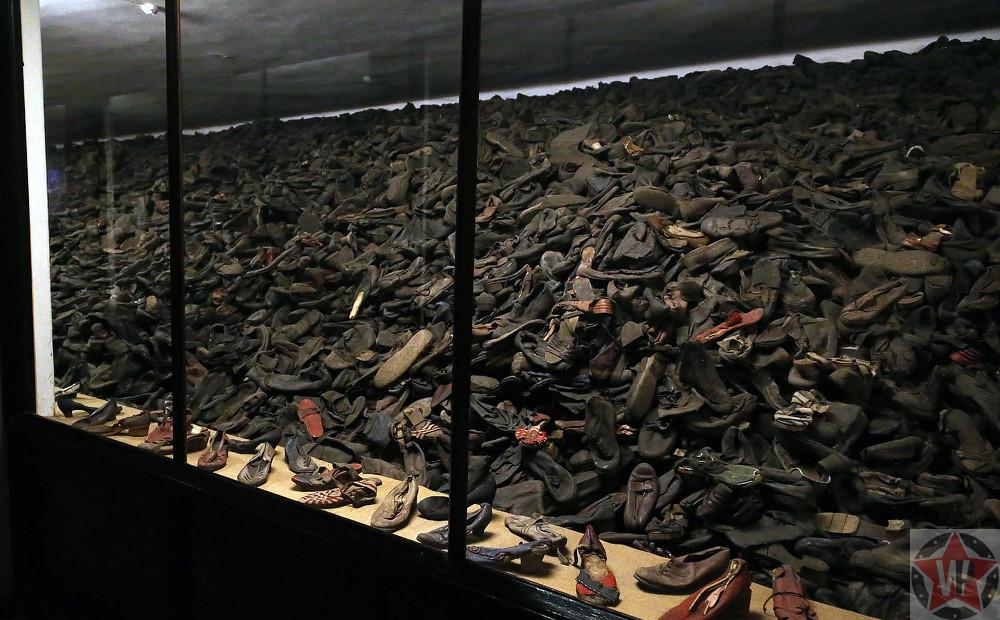 Обувь в музее Освенцима