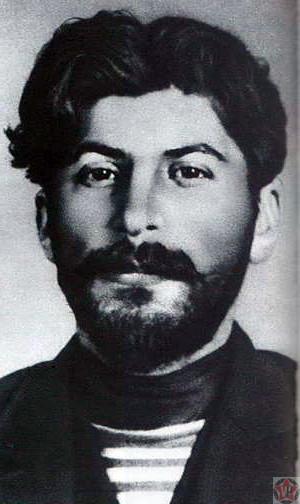 Молодой Иосиф Сталин в 1908 году