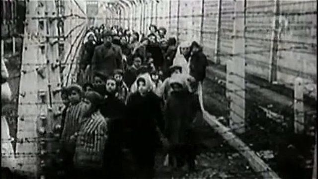 Близнецы для медицинских опытов в лагере Освенцем