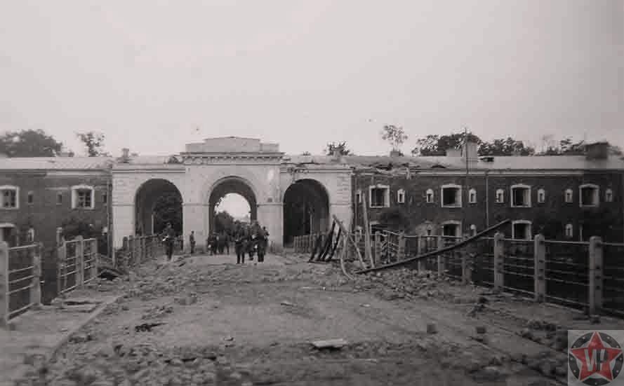 Трёхарочный мост, Брестская крепость