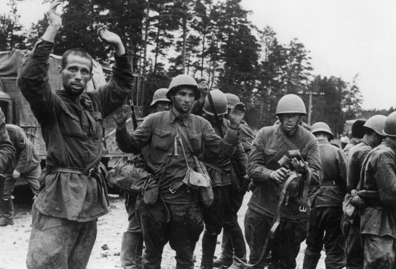 Первые дни войны, пленные красноармейцы