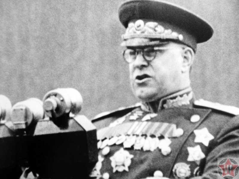 Маршал Советского Союза Г.К. Жуков выступает с речью на Параде Победы в Москве
