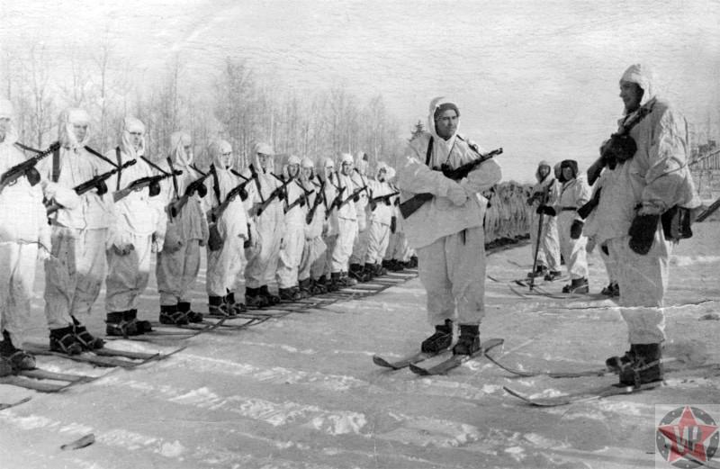 Построение бойцов-десантников во время Битвы за Москву
