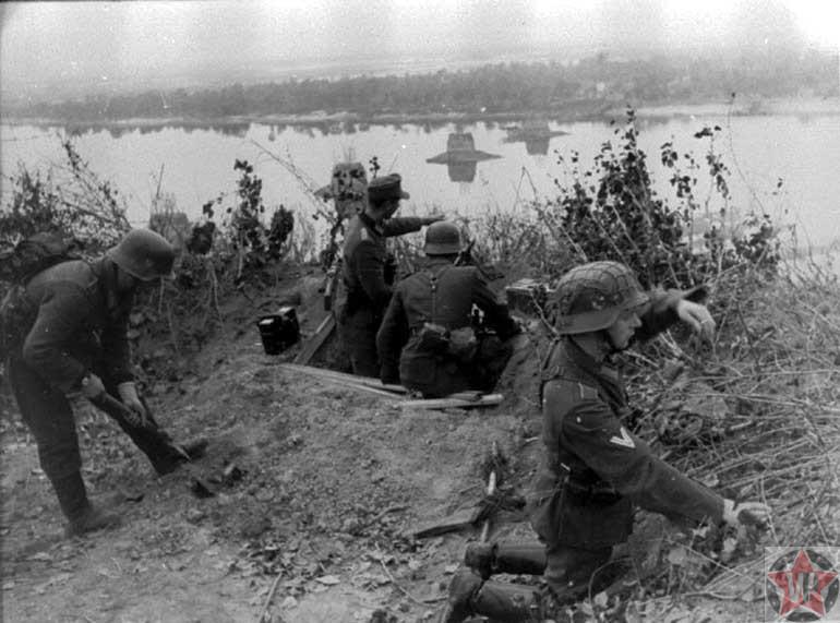 Немцы на Восточном вале во время подготовки к бою