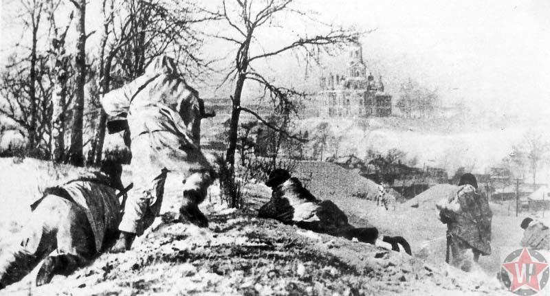 Бойцы Красной армии мотострелковой дивизии в районе Можайска