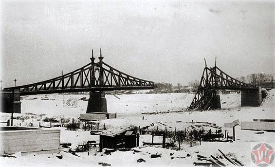 Взорванный гитлеровцами мост Калинин