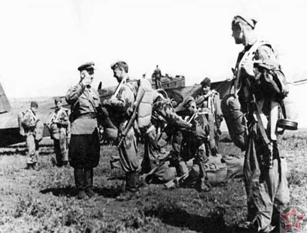 Днепровская воздушно-десантная операция