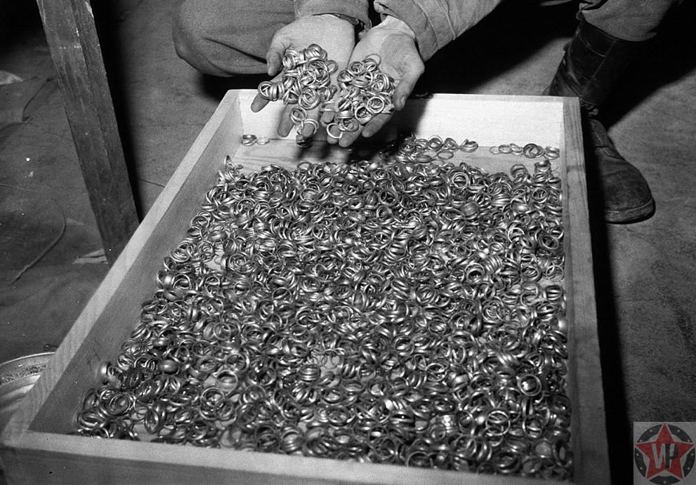 Тысячи золотых обручальных колец взятых у мёртвых евреев и спрятанных в солевых шахтах Heilbronn