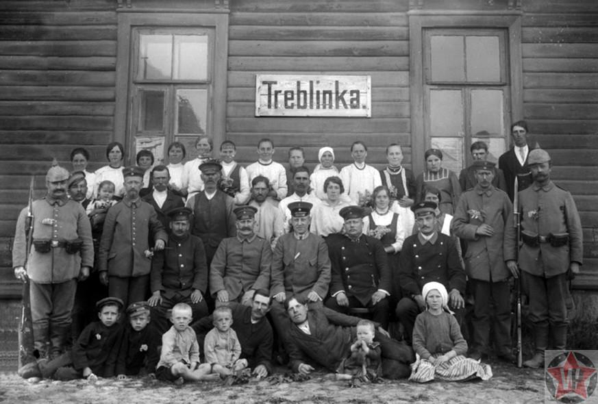 Вновь прибывшие узники концлагеря Треблинка